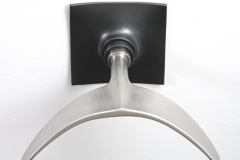 66-whale_tail_hanger_front-800x600